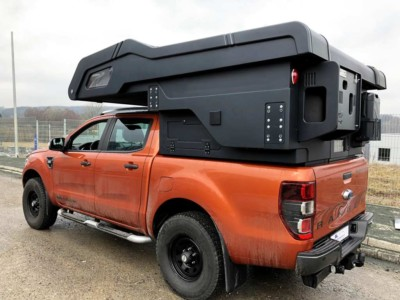 Camp-Crown Stealth DC Schwarz auf Ford Ranger