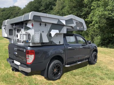 Camp-Crown Stealth DC Camouflage auf Ford Ranger