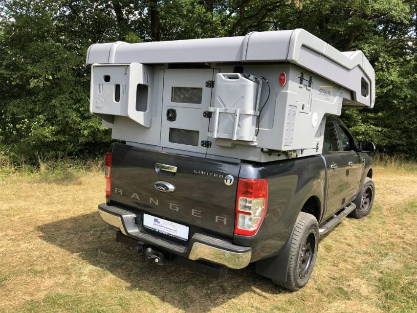 Camp-Crown Stealth DC auf Ford Ranger mit geschlossener Heckklappe